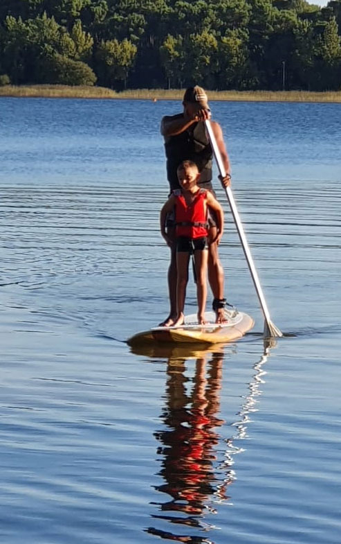 Lou Broustaricq : Paddle Activite sur le lac en camping Sanguinet